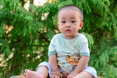 ‰ ˆAsian del ¼ del yellowï de China del ¼ del ï de los niños del bebé Imagen de archivo