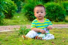 ‰ ˆAsian del ¼ del yellowï de China del ¼ del ï de los niños del muchacho Foto de archivo libre de regalías