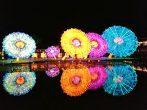 ‰ Do ¼ do ±ï do ½ do ¯å do  do ç do ‰ do ˆæ°'å do ¼ do shadowï da luz da água… fotografia de stock
