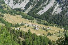 ‰ Granges de la Vallée à troite von oben, Hautes-ÂAlpes, Franken Lizenzfreie Stockfotos