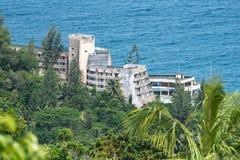 ‰ MAHÃ, СЕЙШЕЛЬСКИЕ ОСТРОВЫ, 3-ЬЕ АВГУСТА 2018: Гостиница пляжа Mahé выйдена стоковые фото