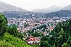 ‹Del †del ‹del †de la ciudad en las montañas Imagenes de archivo