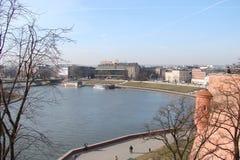 ‹För †för stadsav Krakow Polen landskapet av modern och forntida katolsk arkitektur och monument av skulptur arkivbilder