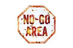 €œNo-vont le  d'Area†avertissement panneau plus de vieux le fond rouillé blanc et rouge sale de texture de signe de circulati photo stock