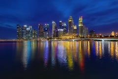 € «10-ое декабря 2017 СИНГАПУРА: Горизонт финансового района Singapore's Стоковое Фото
