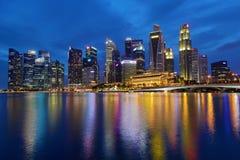 € «10-ое декабря 2017 СИНГАПУРА: Горизонт финансового района Singapore's Стоковые Фото