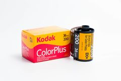 """€ """"03 de Ginebra/de Suiza 03 2019: película Kodak de 35m m y exposición del fujicolor 36 del fujifilm para la fotografía imagen de archivo libre de regalías"""