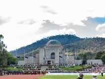 """€ de CANBERRA, AUSTRÁLIA """"25 de abril de 2019: Anzac Day National Ceremony guardou anualmente no memorial de guerra australiano  imagens de stock royalty free"""