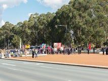 """€ de CANBERRA, AUSTRÁLIA """"25 de abril de 2019: Um contingente prepara-se para marchar em Anzac Day National Ceremony guardado an imagem de stock"""