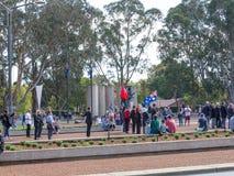"""€ de CANBERRA, AUSTRÁLIA """"25 de abril de 2019: Um contingente prepara-se para marchar em Anzac Day National Ceremony guardado an fotos de stock royalty free"""