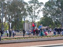 € de CANBERRA, AUSTRALIE « le 25 avril 2019 : Un contingent dispose à marcher chez Anzac Day National Ceremony tenu annuellement photos libres de droits