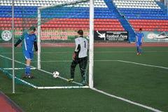 """€ de Orenburg, Rusia """"año del 8 de junio de 2017: Fútbol del juego de los muchachos Fotos de archivo libres de regalías"""