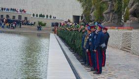 "€ de VOLGOGRAD ""o 15 de outubro: Parada militar Fotos de Stock Royalty Free"