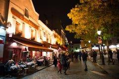 巴黎、法国- 2014年11月10日咖啡馆和餐馆在Montma 库存照片