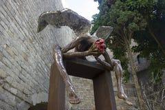 一个下落的天使雕象在巴塞罗那 免版税库存照片