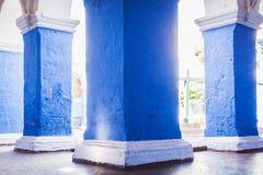 一个专栏的细节在圣卡塔利娜修道院里,阿雷基帕, Pe 免版税库存照片