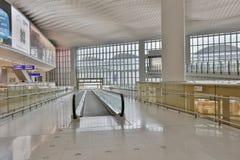 一个中场广场在HK国际机场 免版税图库摄影