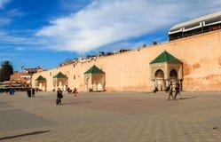 一个中心正方形在梅克内斯,摩洛哥 免版税图库摄影