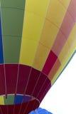 一个五颜六色的热空气气球特写镜头细节 库存照片