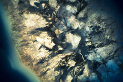 一个五颜六色的玛瑙岩石切片的宏观照片 库存图片
