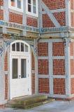 一个五颜六色的装饰的房子的入口在韦尔登县 免版税库存图片