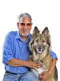 一个人和他的狗的纵向 免版税库存照片
