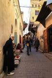 一个人在菲斯麦地那在摩洛哥 库存照片