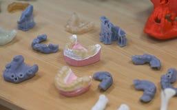 一个人的下颌,创造在从photopolymer材料的一台3d打印机 立体平版印刷术3D打印机,液体p技术  免版税库存图片