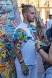 一个人的面孔和身体绘画 免版税图库摄影