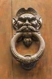 以一个人的头的形式敲门人有髭的 库存图片