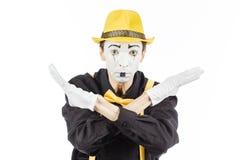 一个人的画象,艺术家,小丑, MIME 显示停车牌是fo 免版税库存图片