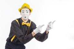 一个人,艺术家,手势的画象 展示某事,  免版税库存照片