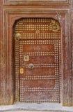 一个传统摩洛哥房子的老门 免版税库存图片