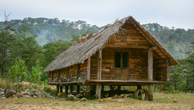 一个传统木房子Da Hoai位于大叻,越南 免版税库存照片
