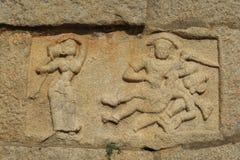 一个传说的雕塑从Mahabharata,亨比的 免版税库存图片