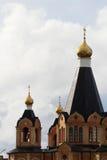 一个传统金黄圆屋顶在俄国大教堂里 免版税库存照片