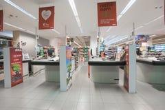 一个低价超级市场想法的内部 免版税库存图片