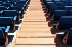 一个体育场的立场,有位子和台阶的 免版税库存照片