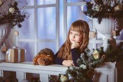一个假日的小女孩梦想 库存图片