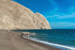 一个偏僻的海滩的风景看法 免版税库存图片
