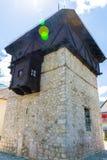 一个健壮的中世纪防御高塔 免版税图库摄影