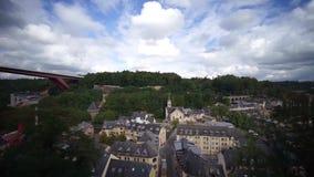 一个全景玻璃推力安排在卢森堡 股票视频