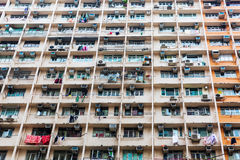 一个公寓塔的门面在香港 库存照片