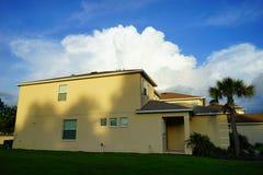 一个典型的房子在佛罗里达 免版税库存照片