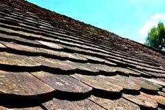 一个典型的房子的屋顶Saschiz & x28的; Keisd& x29; 特兰西瓦尼亚 图库摄影