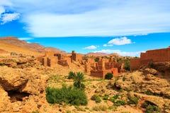 一个典型的摩洛哥巴巴里人村庄的风景 免版税库存照片