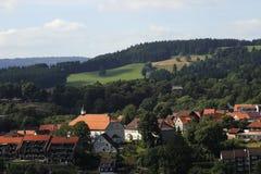 一个典型的高山镇的鸟瞰图,德国 免版税库存图片