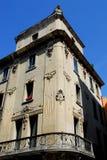 一个典雅的大厦的两对称边在帕多瓦在威尼托(意大利) 免版税库存照片
