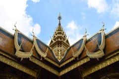 一个典雅的寺庙屋顶 免版税库存图片