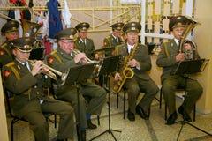 一个军事乐队的音乐家 图库摄影